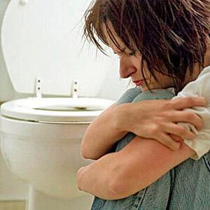 При развитии геморроя симптомы обостряются