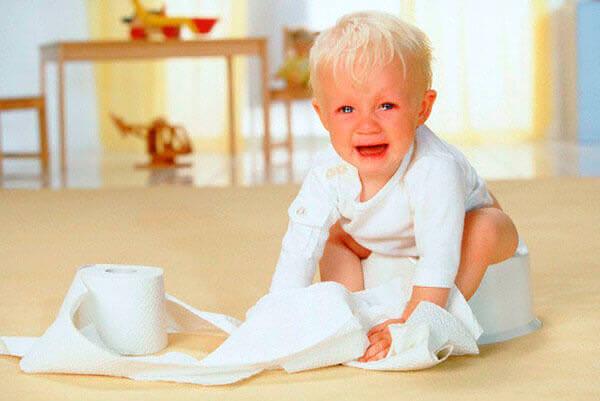 Причина геморроя у ребенка - частые запоры