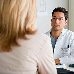 Гипотония, легочная недостаточность, грыжа являются противопоказаниями для колоноскопии