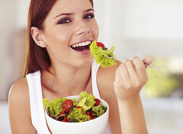 Правильное питание поможет решить проблему с кровотечением в заднем проходе