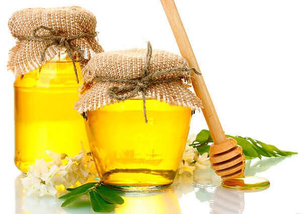 Натуральный мед применяют для лечения геморроя