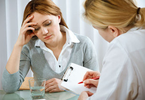При болях в заднем проходе консультация у специалиста обязательна