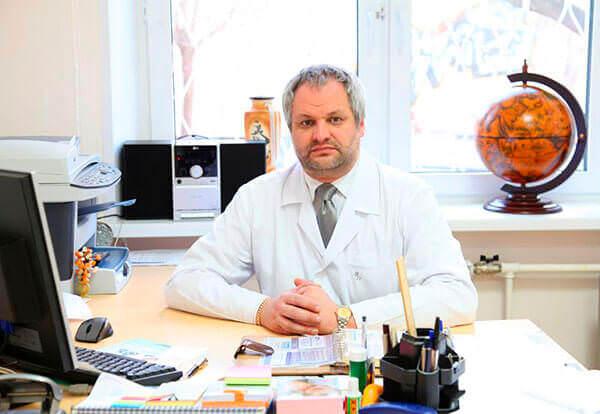 Колопроктолог поможет установить причину зуда