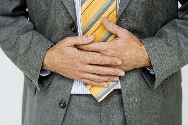 Усталость, слабость, боли после приема пищи и дефекации - признаки серьезных проблем в отделах кишечника