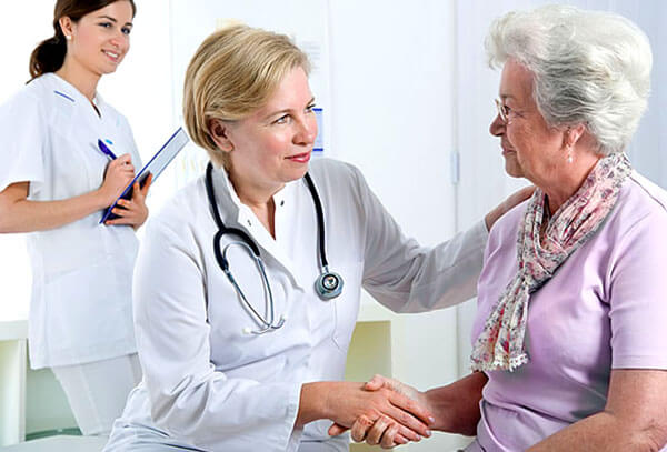 При появлении слизи в заднем проходе необходимо обратиться к врачу