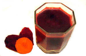 Свекольно-морковный сок против геморроя