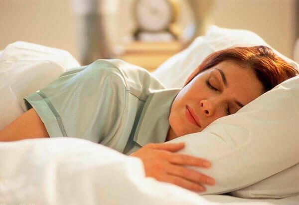 Свечи ректальные вводят перед сном