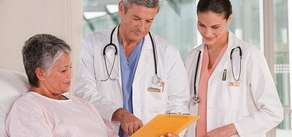 При малейшем подозрении на парапроктит обращайтесь к врачам