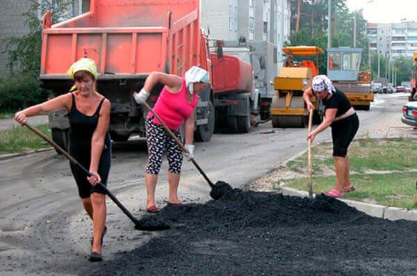 Тяжелый физический труд провоцирует развитие геморроя у женщин
