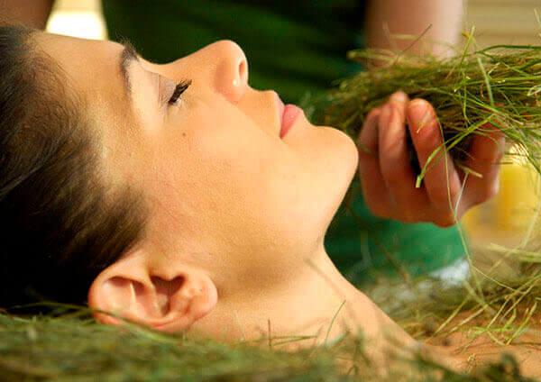 Ванна с лечебными травами поможет облегчить состояние больного