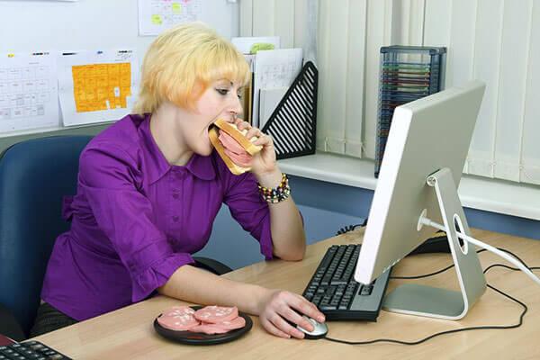 Малоподвижный образ жизни и неправильное питание - причина болезни