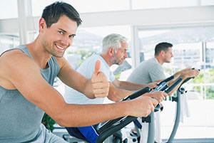 Физическая активность, правильное питание помогут избежать гемороя или достичь хорошего результата в его лечении