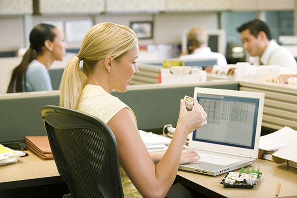 У офисных работников высокий риск развития геморроя