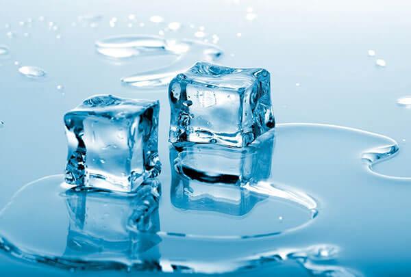 Лед и холодная вода помогают снять спазм и уменьшить боль