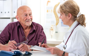 Больным пожилого и старческого возраста геморроидэктомию не проводят