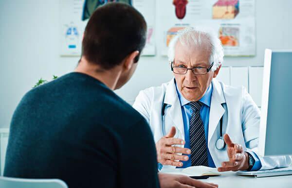 После осмотра врач назначает лечение