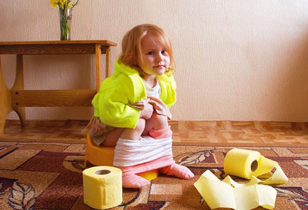 Парапроктит у детей часто формируется из-за врожденных аномалий строения анальных желез