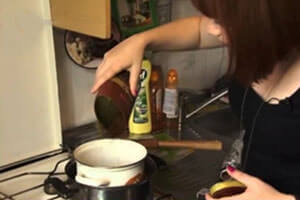 Процесс приготовления свечей дома