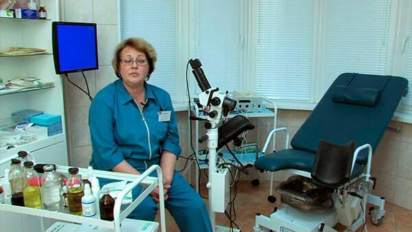 Проктолог не только проведет обследование, но и назначит эффективное лечение