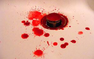 Алые пятна крови после дефекации