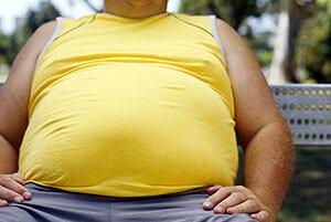 Неправильное питание и избыточный вес повышают риск заболеть геморроем