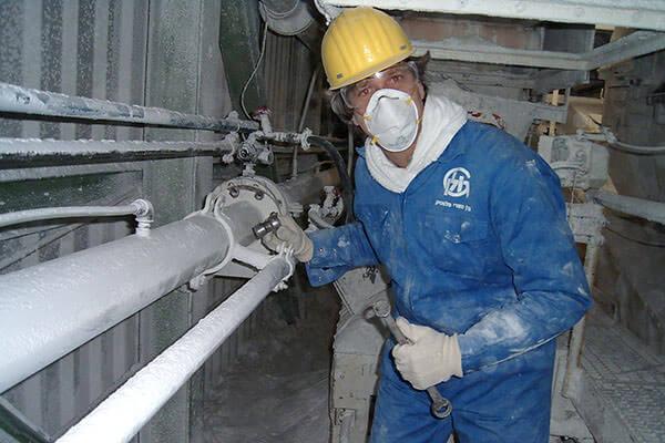 Работа на вредном производстве может стать причиной развития рака прямой кишки