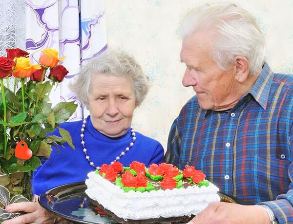 Больным старше 70 лет проводить операцию по геморрою не рекомендуется