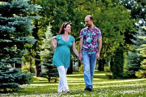 Прогулки пешком помогут беременной укрепить свое здоровье