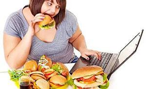 Неправильное питание провоцирует развитие и обострение хронического геморроя и