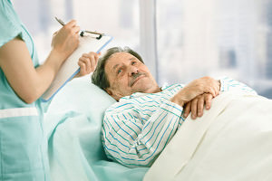 При обострении геморроя больному необходим постельный режим