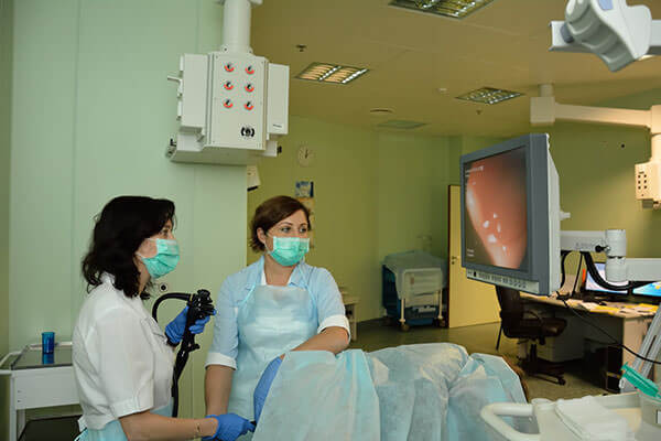 Для точного определения расположения папиллом в кишечнике проводят ректороманомкопию