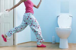 Частые позывы к дефекации, вздутие живота, повышенное газообразование - симптомы разрыва прямой кишки