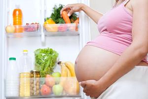 Правильное питание поможет отрегулировать стул беременной