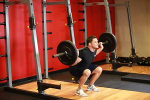 Спорт с большими силовыми нагрузками невозможен при геморое