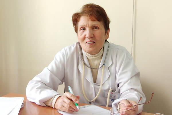 При диагностике болезни желудка лечится нужно у гастроэнтеролога