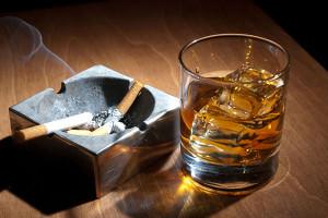 Алкоголь и сигареты провоцируют геморрой